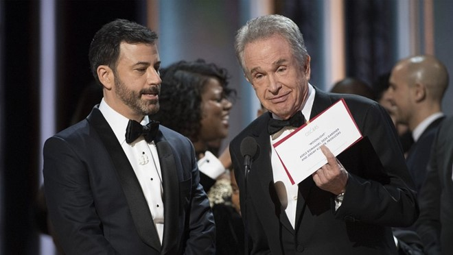 jimmy_kimmel_warren_beatty_best_picture_card-1